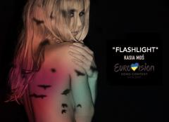 Flashlight - Kasia Moś