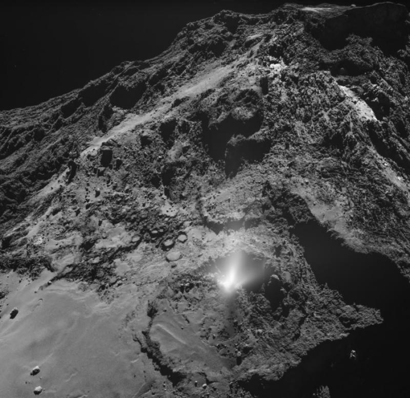 Rosetta comet_eruption © ESA